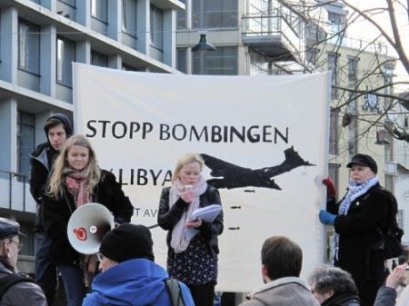 Fra demonstrasjon i Bergen 26. mars 2011.